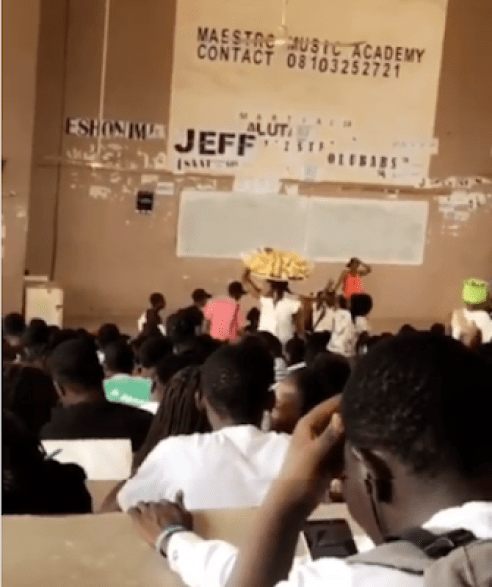 Lady Hawker Selling Plantain Chips Seen In FUTA Lecture Hall (VIDEO)