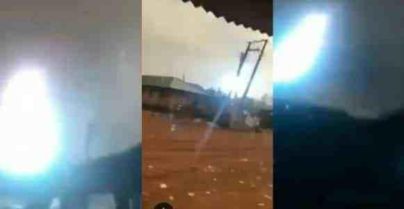 Lightning and thunder strike cause panic In Edo State (Video)