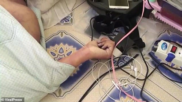 video gamer electrocuted