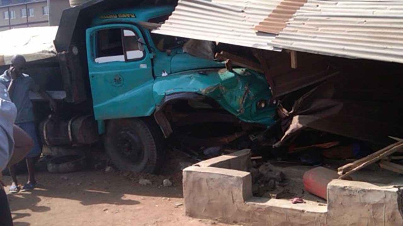 truck crushes school kids