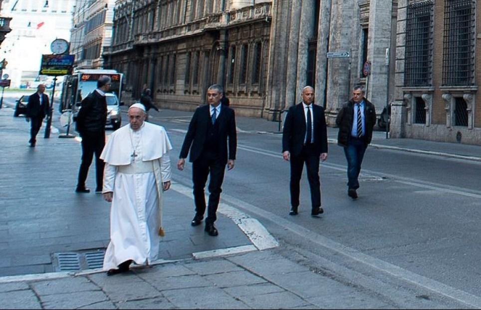 Pope Francis walks the streets of Rome praying against coronavirus