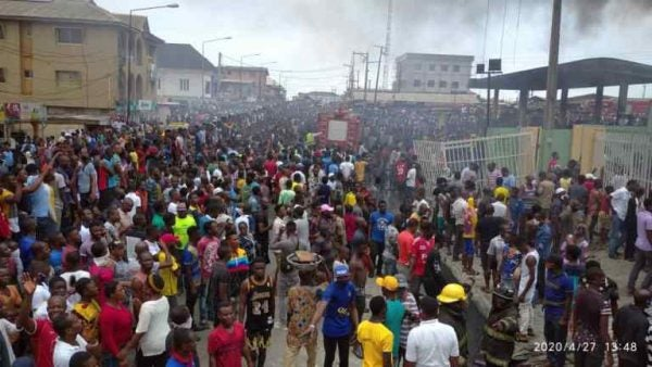 Large crowd spotted at Lagos fire incident scene lailasnews 1