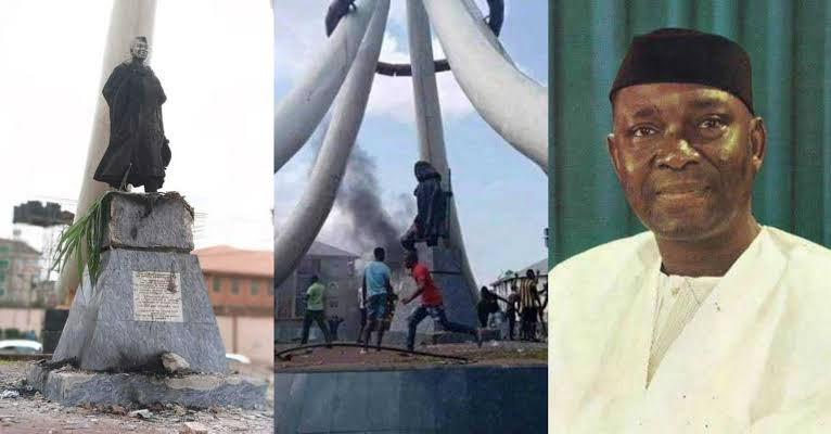Angry Youths Burn Nnamdi Azikiwe's Statue In Anambra, Say He Caused Their Problems 1