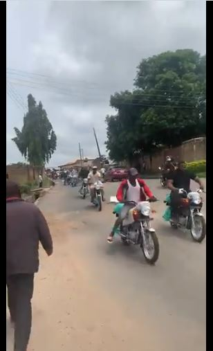 BREAKING! Mob Invades Nigerian Senator's House, Steal New Motorcycles, Freezers Others (Video)