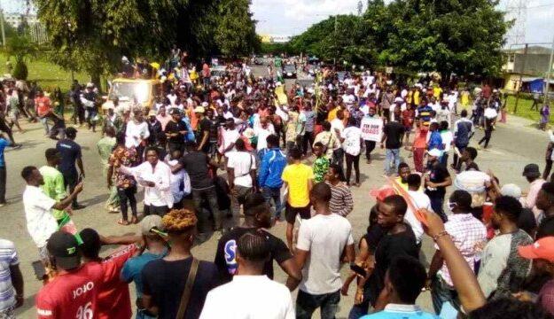 #EndSARS: Hoodlums vandalise NLC, INEC, SEMA Calabar offices
