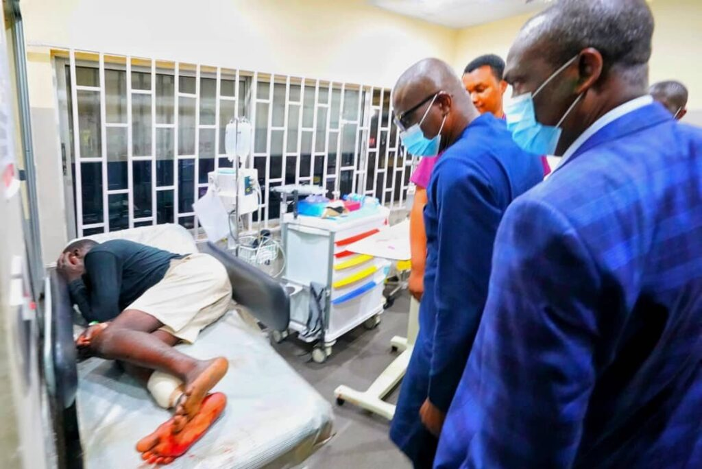 Lekki Shooting: Sanwo-Olu Visits Wounded Victims, Blames 'Forces Beyond His Control' 4