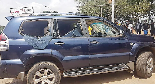 Nigerian Lawyer Reveals How Abuja Thugs Were Paid N1,500 To Attack And Damage Cars During Protests
