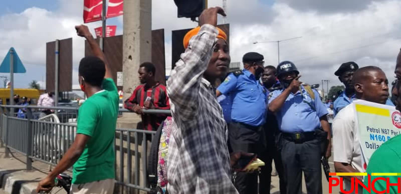 RevolutionNow Protests Hits Abuja, Ibadan On Independence Day Amidst Heavy Security [Photos] 11