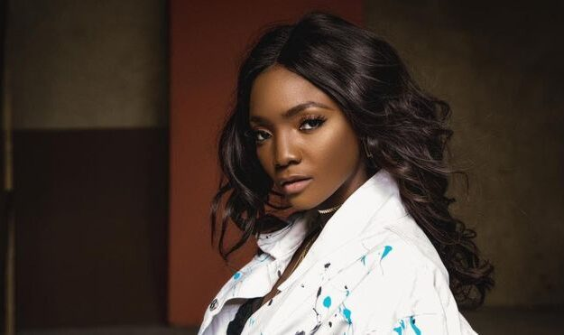 Simi urges fans to get Permanent Voters Card