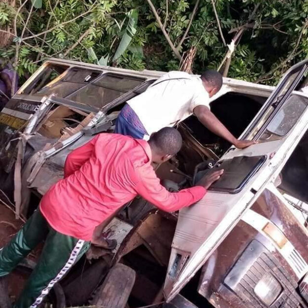UPDATED! 21 People Dead As School Bus And Trailer Collide In Enugu (Photo)