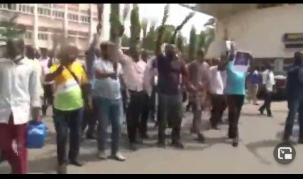 Drama At University Of Ibadan As Non-Academic Staff Celebrate Exit Of Bursar (Video)