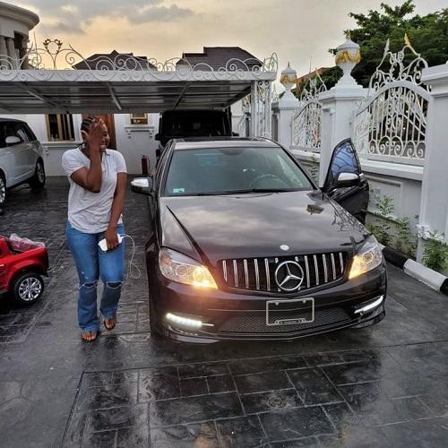 Interior Entrepreneur, Ehi Ogbebor gifted her assistant a brand new car