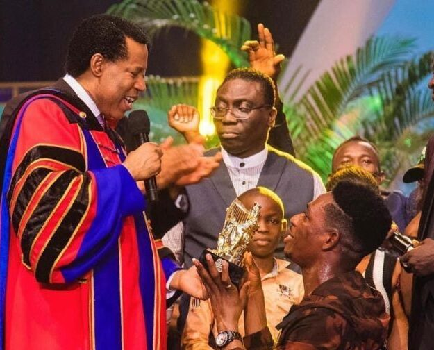 Oyakhilome splashes $100,000 on Moses Bliss for winning LIMA award