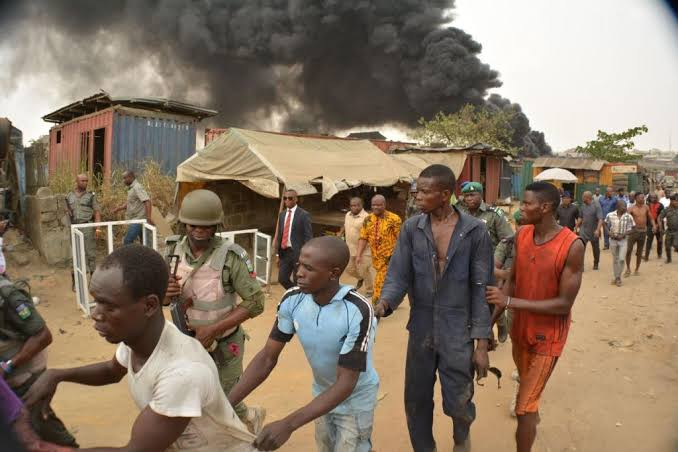 Oyigbo Residents Flee Rivers Troubled Community, Alleges Soldiers Are Killing And Harassing Youths 1