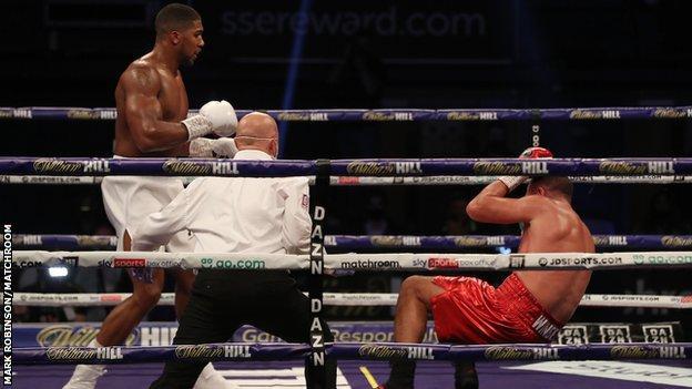Anthony Joshua vs Pulev fight: President Buhari hails Anthony Joshua's victory over Kubrat Pulev 2
