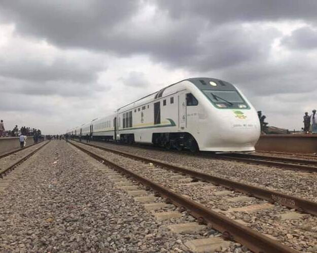 FG Reveals How Much Nigerians Will Pay for Train Fare From Lagos to Ibadan