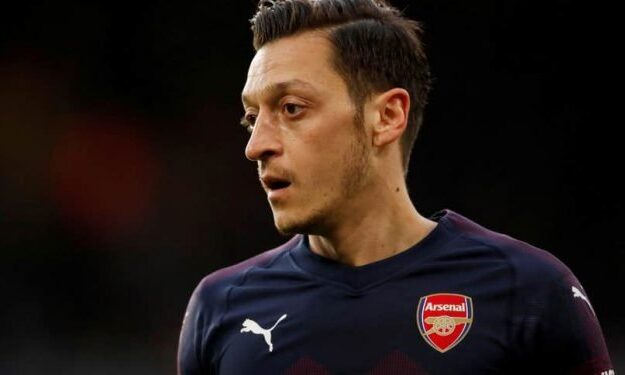 BREAKING: Mesut Ozil Completes Fenerbahce Move