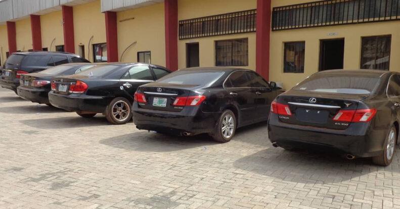 EFCC Arrest 30 Suspected Internet Fraudsters In Enugu, Recover Exotic Cars [Photos] 3