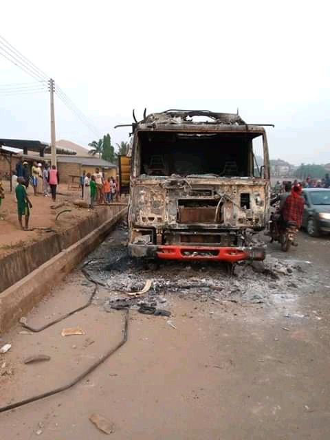 Truck Conveying Cows Set Ablaze By Angry Mob For Crushing Boy To Death In Oyo 2