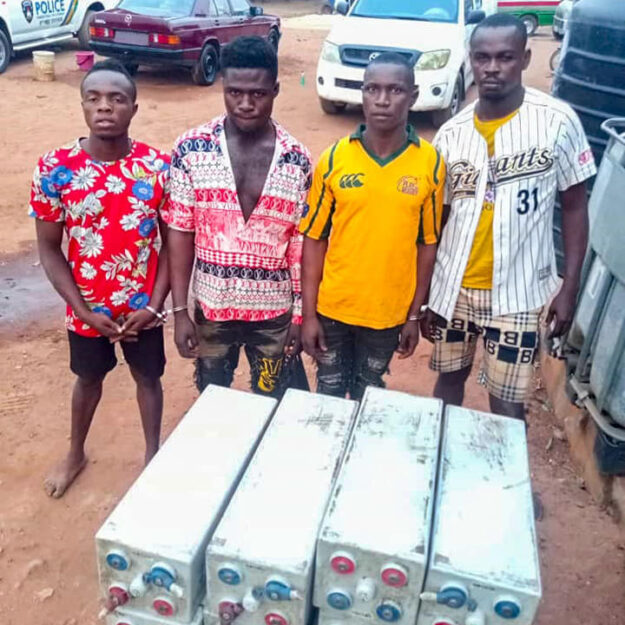 Four Vandals Arrested for Stealing MTN Solar Inverter Batteries in Enugu (Photo)