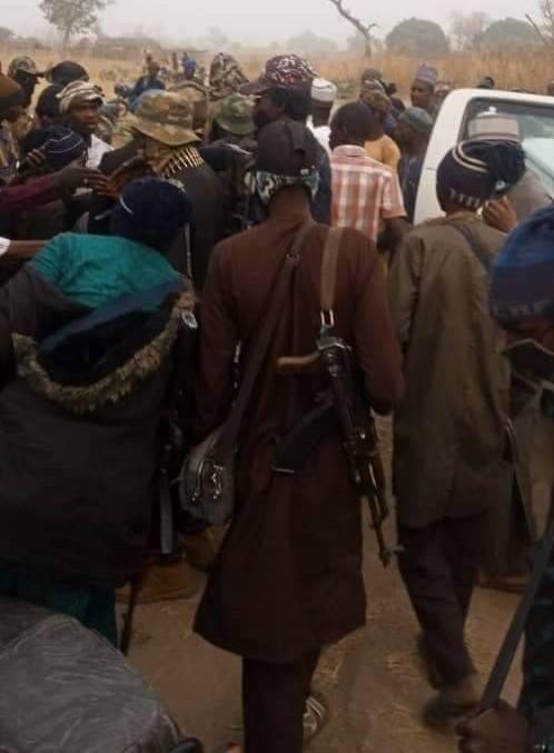 Sheikh Gumi Meets Bandits Who Kidnapped Kagara Students In Niger State [Photos] 2
