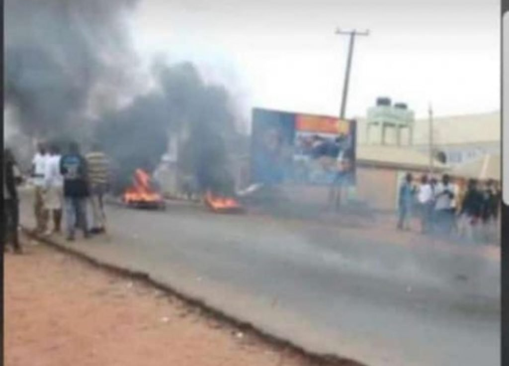Suspected 'Yahoo Boys' Protest Over Incessant Arrest By EFCC In Osun 1