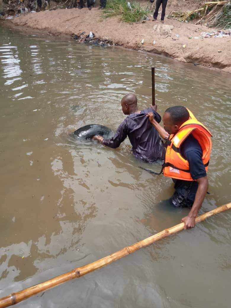 12-Year-Old SchoolBoy Drowns To Death While Swimming With Friends In Ilorin River [Photos] 4
