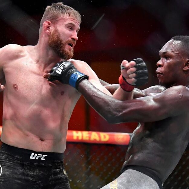Blachowicz Defeats Adesanya To Retain Heavyweight Title