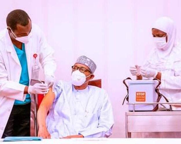 Buhari, Osinbajo get COVID-19 vaccine shots