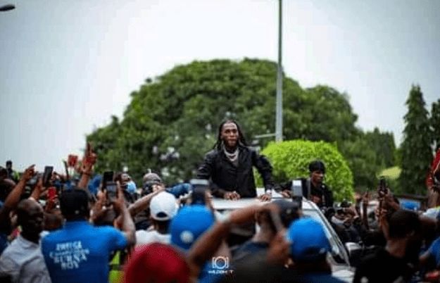 Burna Boy receives heroic welcome in Port Harcourt,plus photos