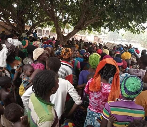 Drama As People Of Yewaland In Ogun Escape to Benin Republic After Attacks By Fulani Herdsmen (Photos)