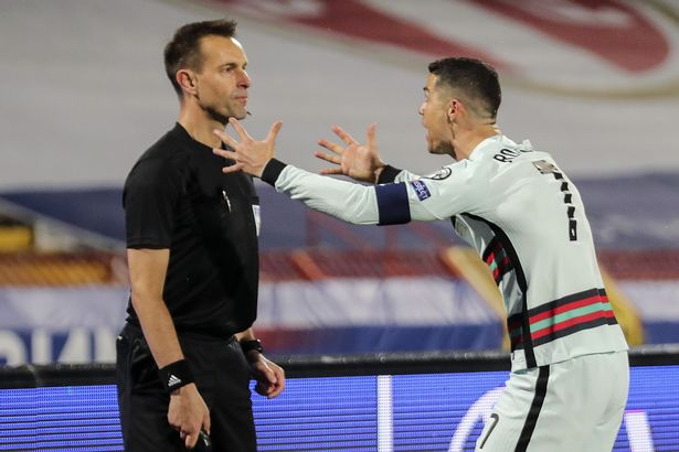 """Finally, Cristiano Ronaldo receives apology from Referee after his """"goal"""" was disallowed"""