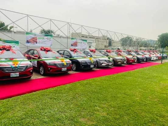 Governor Sanwo-Olu Presents Cars To 13 Outstanding Teachers In Lagos [Photos] 2