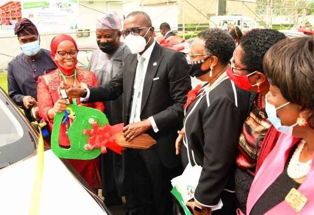 Governor Sanwo-Olu Presents Cars To 13 Outstanding Teachers In Lagos [Photos]