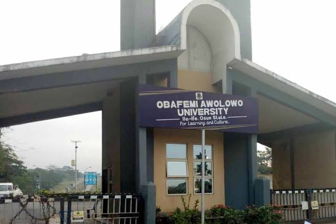 OAU Staff Hangs Himself To Death In His Room After Sending Suicide Note To His Family 1