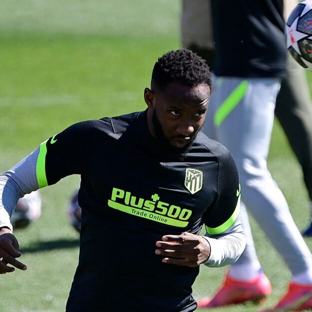 Oh No! Atletico Madrid Striker, Moussa Dembele Collapses In Training And Requires Medical Attention