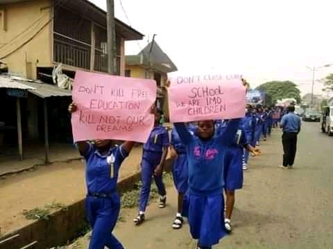 School children in Imo protest attack on Okorocha, warn Gov Uzodinma not to destroy their benefactor