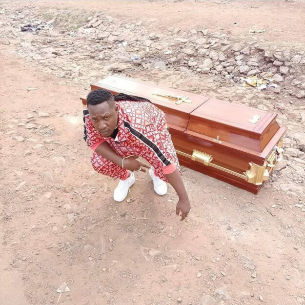 Shock As Popular Kenyan Musician Buys His Own Coffin (Photos)