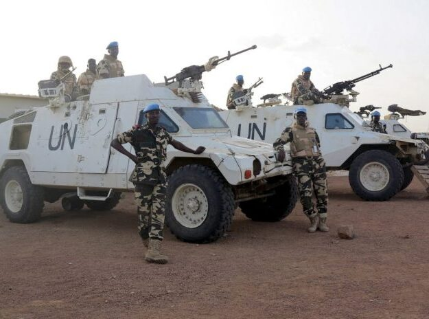 Terrorists kill 3 in mortar attack on UN base in Somalia