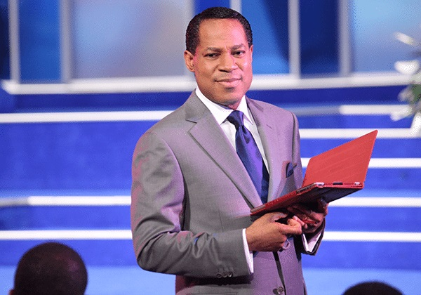 """""""What Is Wrong With You, How Can You Be A Minister For Vaccines?"""" – Pastor Oyakhilome Tells Pastors Endorsing COVID19 Vaccine (Video)"""