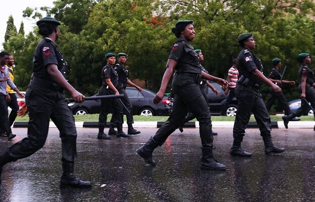 Aba residents ordered back to their houses as gunshots rocks police area command in Aba