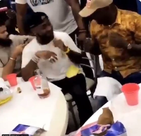 Davido Spotted Teaching Fuji Maestro, Pasuma How to do Palliative Dance (Video)
