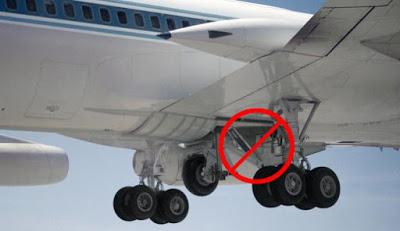 Dead Body Of Stowaway Found In Landing Gear Of Plane Arriving Amsterdam From Nigeria 1