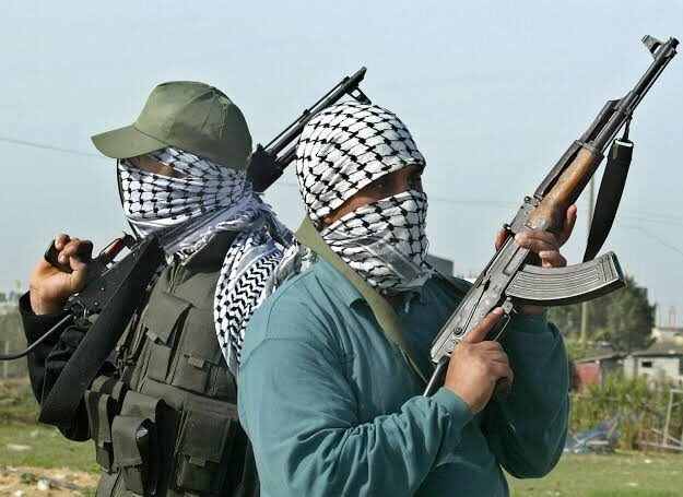 Gunmen invade ex-minister's house, kill guard
