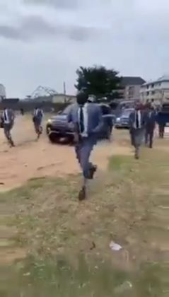 Pastor Makes Grand Entrance With Convoy And Heavily-Armed Escorts In Aba (Video)