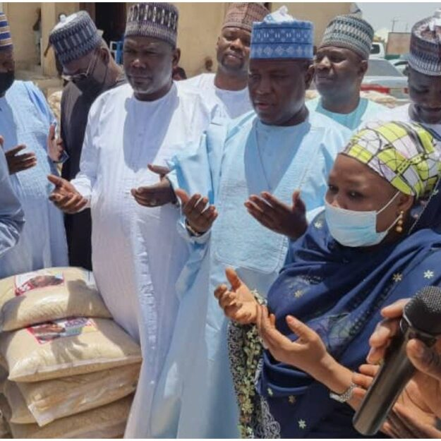 Ramadan: Tinubu's Campaign Rice Flood Maiduguri As Lagos Speaker Shares 10,000 Bags To IDPs