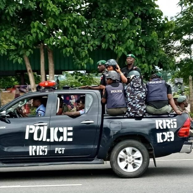 Tension In Aba As Police Barricade Roads To Correctional Centre, Police HQ