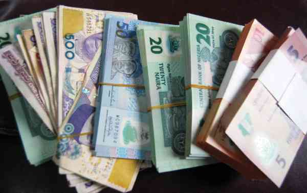 Weakened Naira, inflation erode Nigerians pay by 24.5% in 2 years