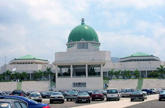 Crisis Looms In National Assembly As APC Caucus Denounce Anti-Buhari Move