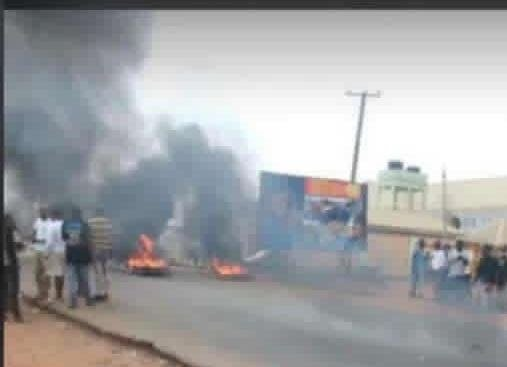 Insecuity: Youth block road with 4 corpses in Benue as IBB proffers solution